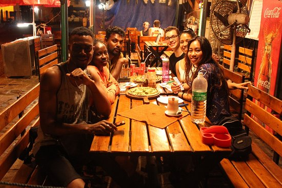 Funny and helpful Tuk Tuk Tour in Kochin: Dinner with friends made through Aaru