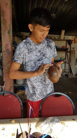 Heartland Traditions Tour: 4th generation potter - quartz makes the pottery shiny.