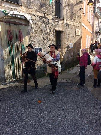 Aria di Natale a Gadoni Nuoro festa de Cortes Apertas. Gli abitanti aprono le loro case ai turisti e visitatori