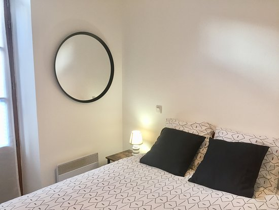 Lourdes, Francia: 2nd Double-bedded room