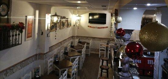 El mesón restaurante Séneca os desea felices fiestas☃️🌲🌲. Os esperamos en estos días de felicidad y reencuentros.