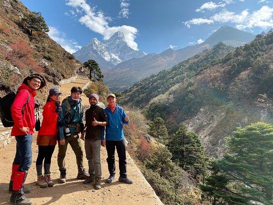 Everest Base Camp Trek: 🔥🔥🔥🔥