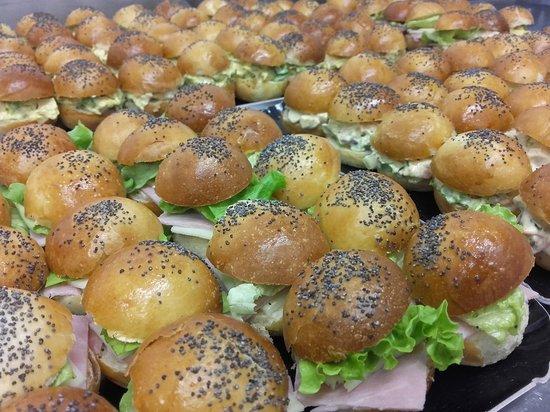 Saint-Martin-de-la-Lieue, Франция: Nos mini burgers apéritifs