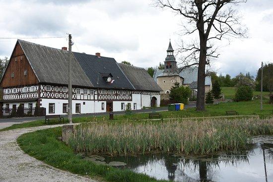 Bukowiec, Polonia: Kosciol sw. Marcina in the background