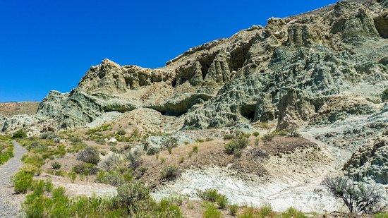 Dayville, OR: Blue Basin Trail est une boucle qui grimpe jusqu'à un magnifique point de vue sur la vallée de la John Day River, et ses formations géologiques.