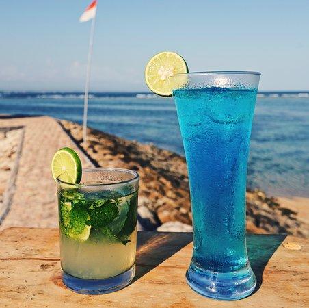 classic mojito & blue lagoon