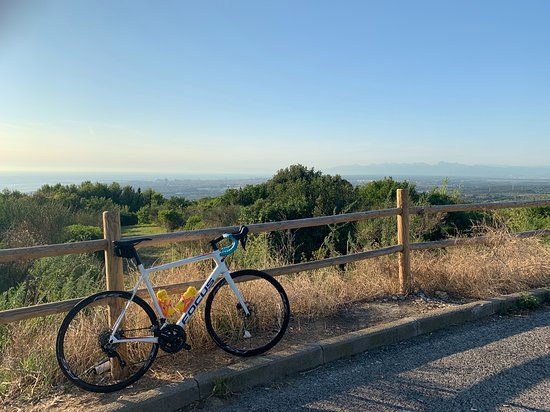 Cycling Livorno coast in Tuscany Italy using our carbon road bike rental services