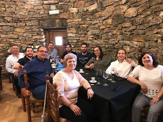 Pozoamargo, Spain: Toda la familia después de la fantástica comida
