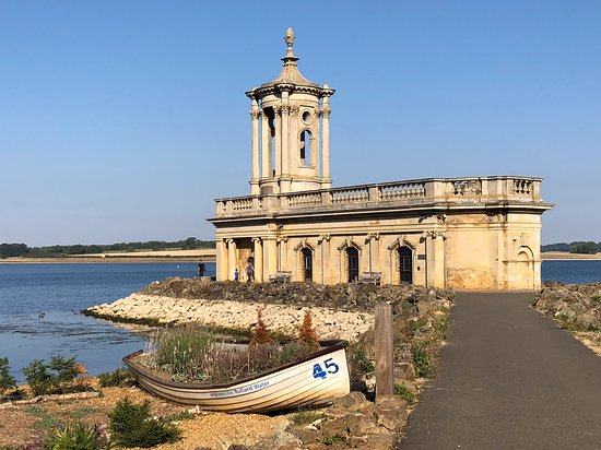 Kibworth Harcourt, UK: Only 35 minutes from Rutland Water, one of Europe's largest man made reservoirs