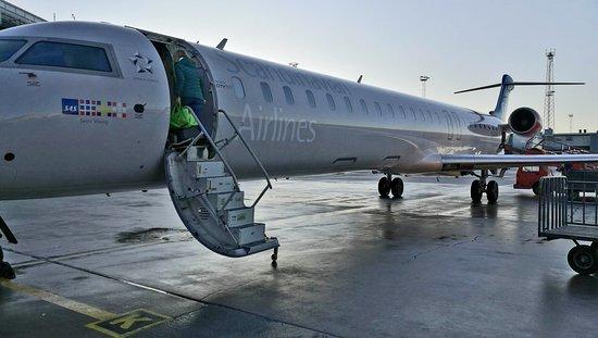 SAS: CRJ 900 at Arlanda Airport