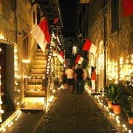 Vallerano, Italia: La notte delle candele