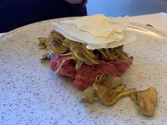 Ristorante Solferino - carne cruda con carciofi e grana