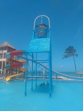 Clube muito bom/ praia ruim