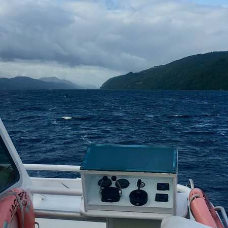 Loch Ness by Jacobite Clansman & Urquhart Castle Freedom Cruise