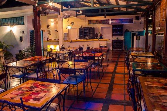 Choroni, Venezuela: nuestro comedor, amplio y fresco, te permite degustar la rica comida autóctona con vista a nuestros jardines