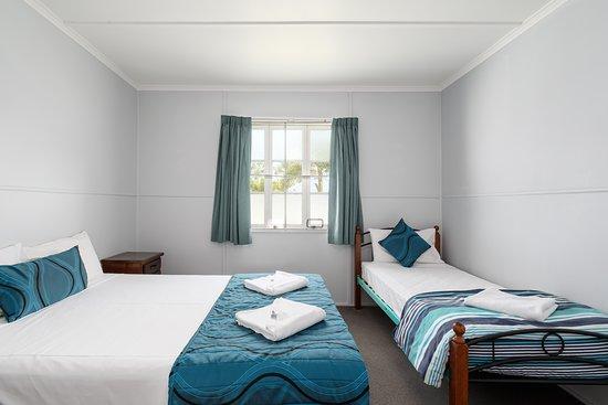 Queen and Single Bedroom in 3 Bedroom House