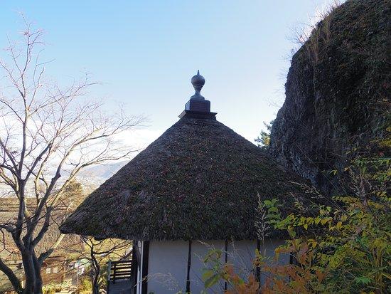 月見堂の屋根