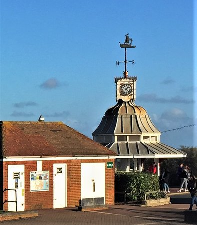 8.  Victoria Gardens & Promenade, Broadstairs;  Clock Tower built in 1977