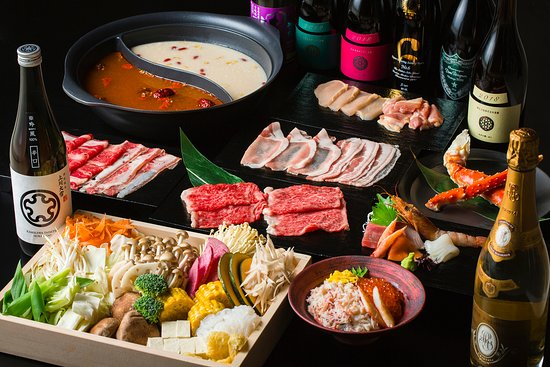 """【SPECIAL COURSE】¥28,000/120min ALL-YOU-CAN-EAT + ALL-YOU-CAN-DRINK + ASSORTED """"SASHIMI"""" + GRILLED KING CRAB LEGS + WAGYU/120g + MINI SASHIMI BOWL"""