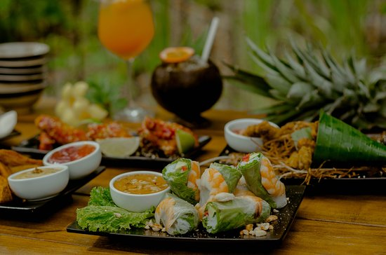 Local food with tropical ambiance <3