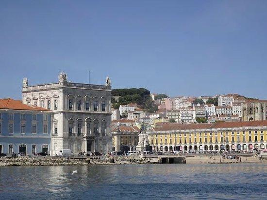 Lissabon, Portugal: Passeios de veleiro no rio tejo em lisboa com a enjoytagus www.enjoytagus.com