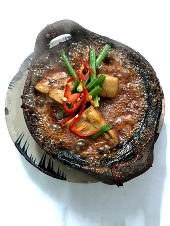 cá kho tộ. món ăn truyền thống Việt Nam