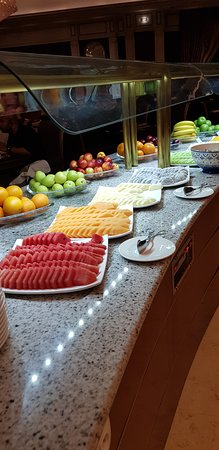 Umpteen choices of fruits