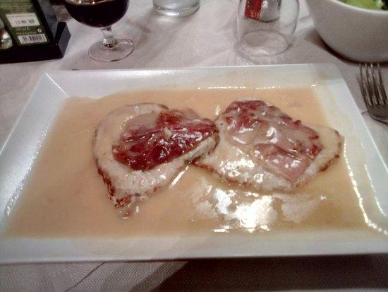 plat chaud carne avec une sauce au vin,(un peu style orloff) ce plat était fin et trés bon