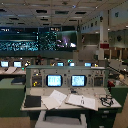 Space Center Houston Admission Ticket: Mission Control re-creating the Apollo 11 landing