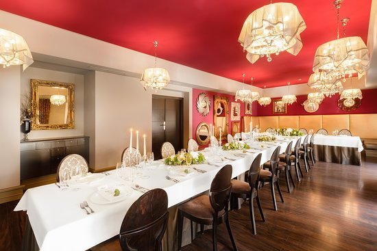 table for special event at the restaurant