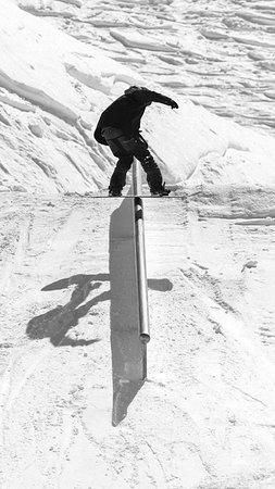 Meribel Ski Resort, France: Frontside boardslide