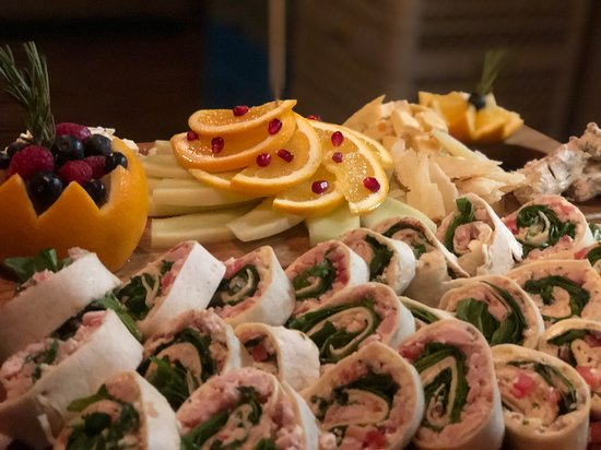 We do private events and serve appetizers, buffets or sit down formal dinners