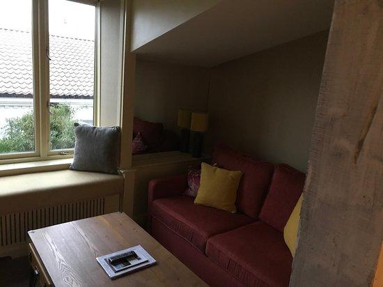 Sitting Room area opposite tv
