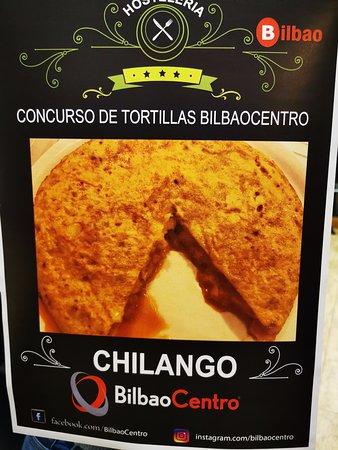"""Chilango Bilbao participando con su deliciosa tortilla en el """"Concurso de Tortillas Bilbao Centro"""" 2019."""