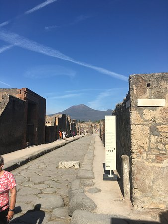 Ancient Pompei in the afternoon: Ancient Pompeii road