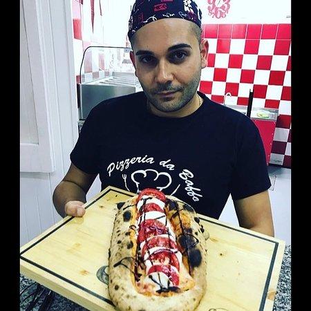 Polistena, إيطاليا: Il pizzaiolo Michele con una sua super bruschetta