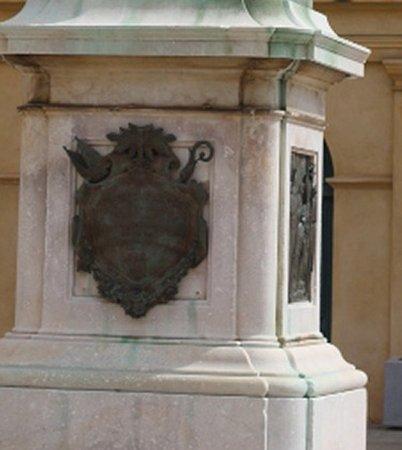 La statue du cardinal Fesch