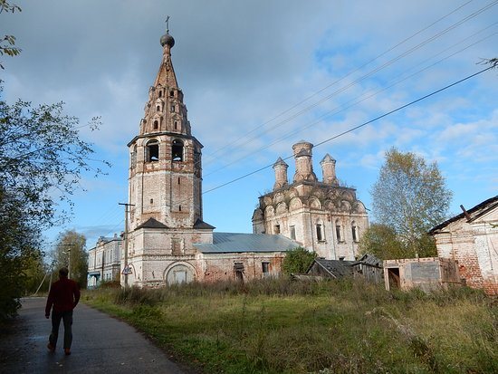 ‪‪Private Tour to Vladimir and Suzdal by Soviet Van OR Multivan‬: Soligalich abandoned Church‬