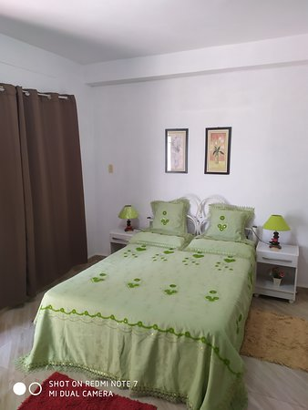 La Havane, Cuba : Casa Amarilis. Very close to Havana international airport. Excellent location and acomodation. You will feel at home. Contact me for more details.