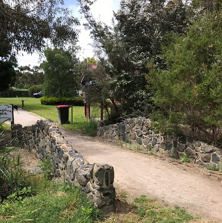 Tanderra Park leads through to the community garden