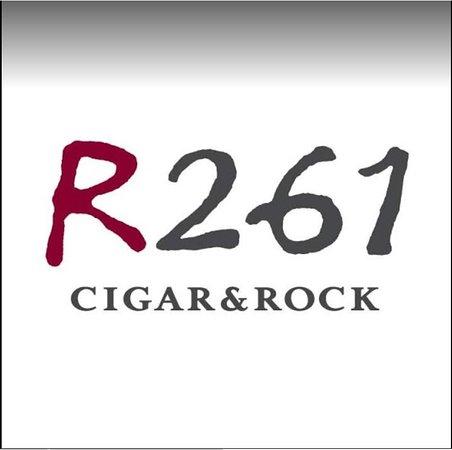 R261 Cigar & Rock