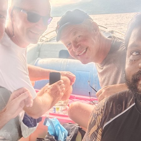 Nabire, Indonesië: Eric,  Yims and Tom from norway come to cenderawasih bay using Nora Simrad  Vessel