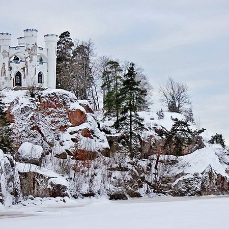 سانت بطرسبرج, روسيا: Всего два часа отделяют Петербург от по-настоящему интересного Выборга, территория которого когда-то принадлежала финнам. И хотя эти времена уже давно прошли, здесь все равно царит европейский дух .