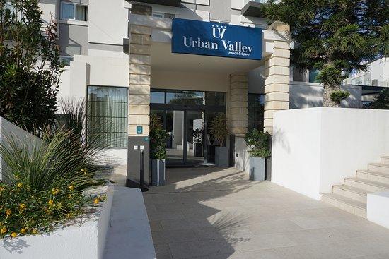 główne wejście do hotelu