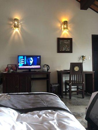 조용한 호텔, 훌륭한 직원 Ms.Anh