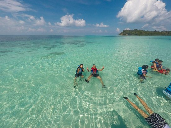 Great crystal water with friends