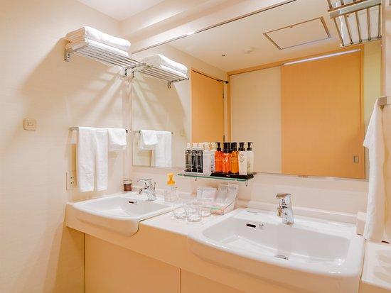 エクセレンシィフロア(13階~14階)和洋室 45.1㎡ 洗面台