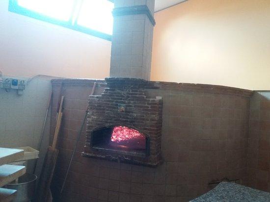 Capriati a Volturno, Ý: Ristorante Pizzeria Rosticceria  il Volturno