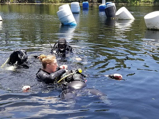 Adventure Outfitters dive center Hudson Grotto training