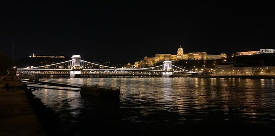 Private Vibrant Budapest Evening Tour: Hotspots & Local Life: Chain Bridge